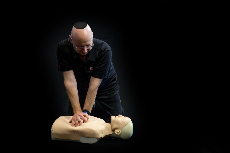 Hatzolah Melbourne Responder Leon Landau and UNIT 36 performing First Aid CPR